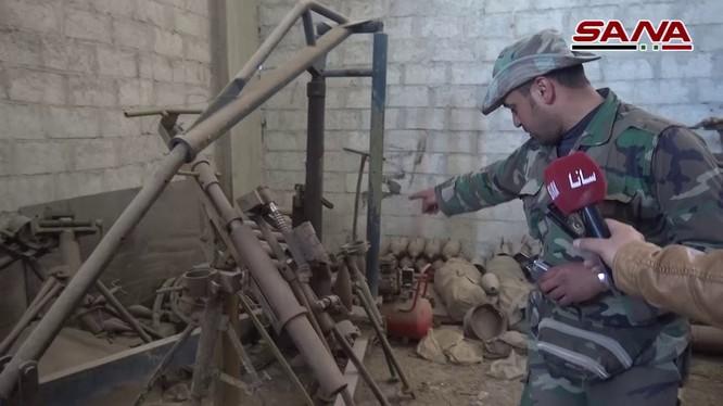 Giới thiệu với truyền thông về nhà xưởng sản xuất vũ khí của lực lượng Hồi giáo cực đoan ở Đông Ghouta. Ảnh minh họa Masdar News