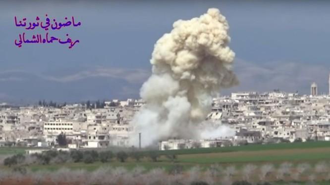 Không quân Nga không kích các nhóm chiến binh FSA ở Hama. Ảnh minh họa video