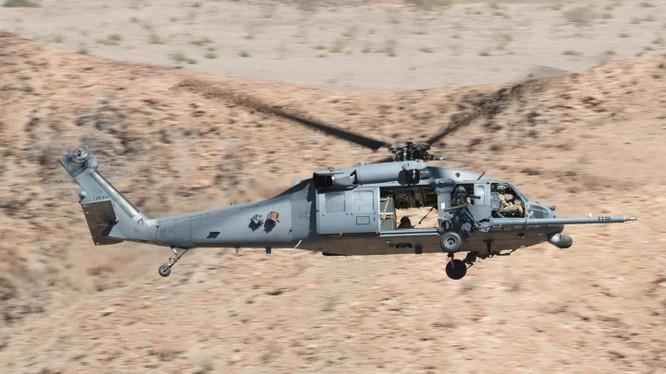 Trực thăng vận tải tấn công Sikorsky HH-60 Pave Hawk trên sa mạc Trung Đông. Ảnh minh họa USAF