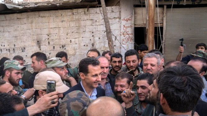 Tổng thống Syria Bashar al-Assad đến Đông Ghouta, cuộc chiến được coi như đã giành chiến thắng
