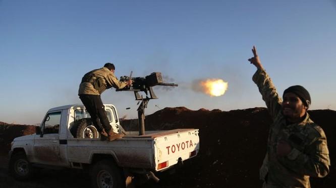 Các tay súng lực lượng FSA tấn công người Kurd ở Afrin - ảnh minh họa Masdar News