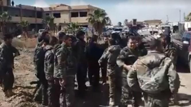 Binh sĩ lực lượng Tiger trên chiến trường Đông Ghouta, chuẩn bị cho cuộc tấn công mới. Ảnh minh họa video