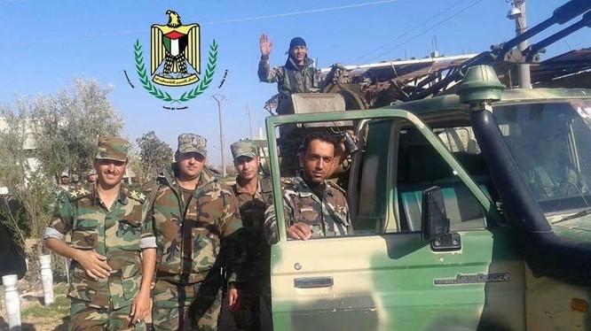 Binh sĩ lữ đoàn tình nguyện Palestine sẵn sàng tấn công vào Douma