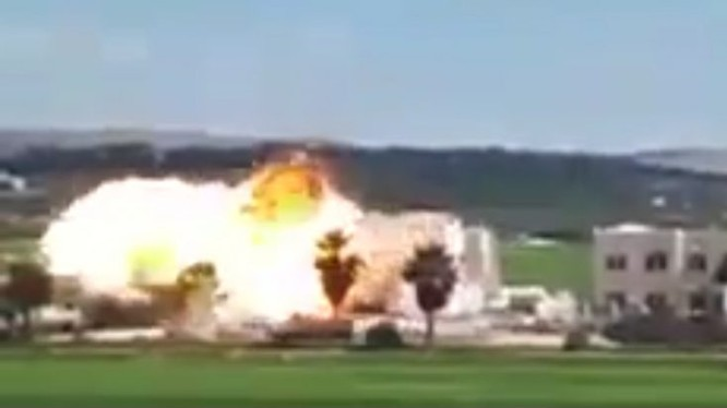 Nga sử dụng bom nhiệt áp phá hủy trụ sở của Al-Qaeda Syria