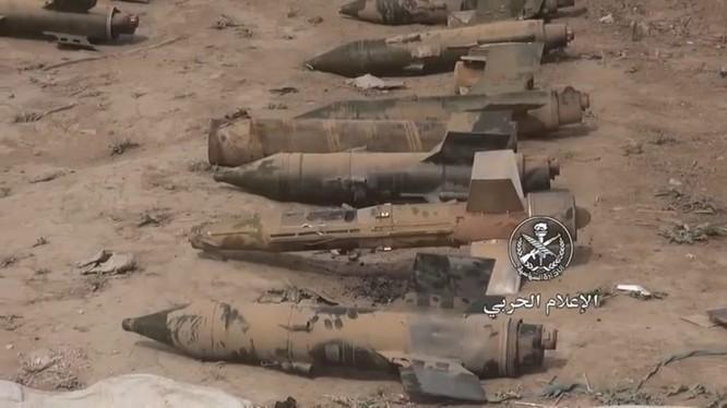Tên lửa chống tăng của IS được tìm thấy trong kho vũ khí - ảnh minh họa video