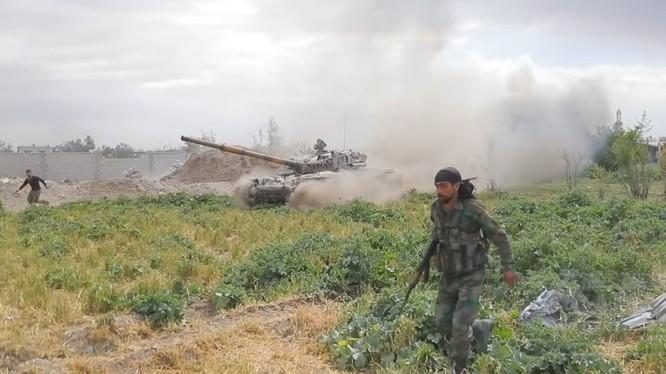 Các đơn vị Tiger tấn công hệ thống phòng thủ ở Douma. Ảnh minh họa Masdar News