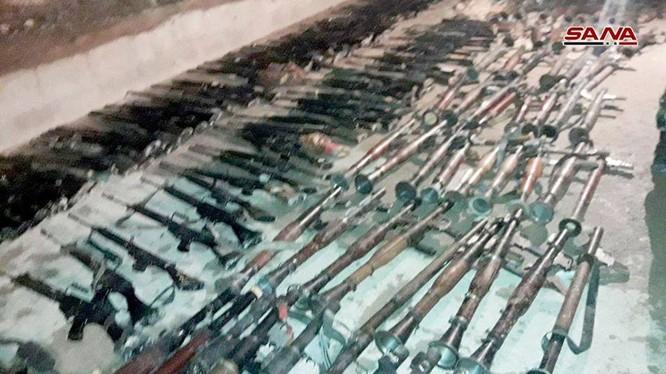Những vũ khí hạng nặng của lực lượng Hồi giáo cực đoan Jaysh Al-Islam. Anhr SANA