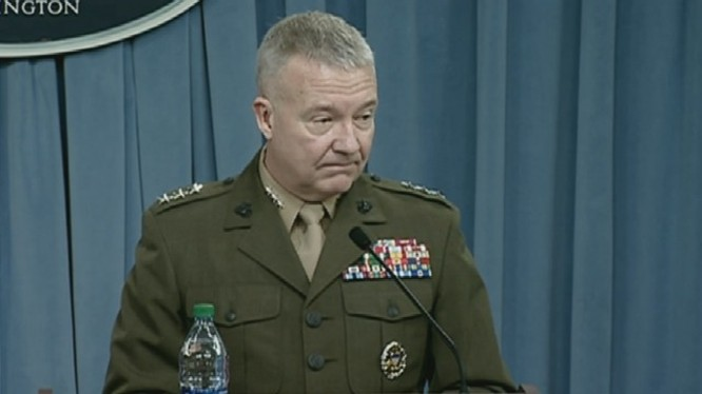 Tướng 3 sao Kenneth F. McKenzie
