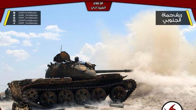 Xe tăng của lực lượng SSNP trên chiến trường Rastanm ảnh truyền thông SSNP
