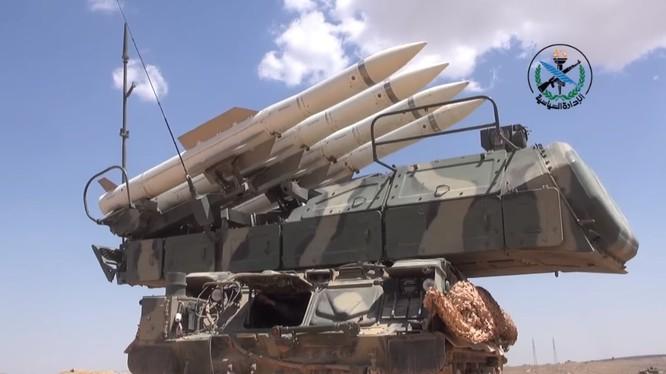 Tổ hợp tên lửa Buk - M2E của phòng không Syria - ảnh minh hoa South Front