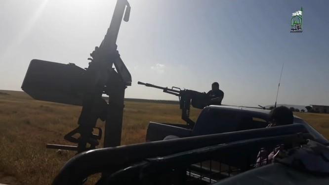 Một tay súng Hồi giáo cưc đoan thuộc llực lượng Jaysh al-Tahweed. Ảnh minh họa Jaysh al-Tahweed media wing.
