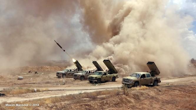 Các đơn vị pháo binh - tên lửa Syria tấn công.Anh minh họa Ivan Sidorenko
