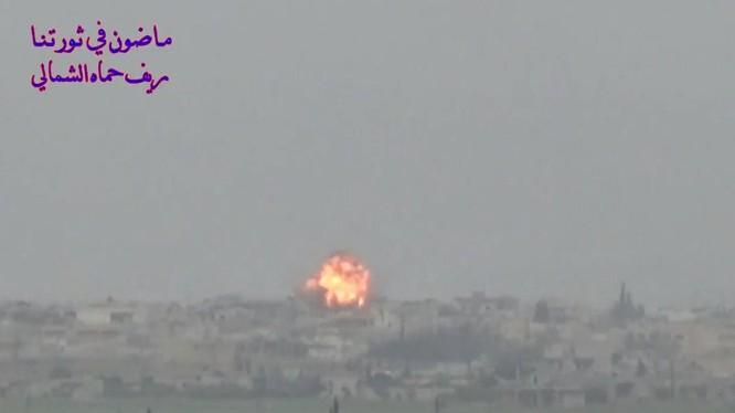 """Không quân Nga không ki hs ở Idlib, Hama. Ảnh minh họa video """"đối lập."""