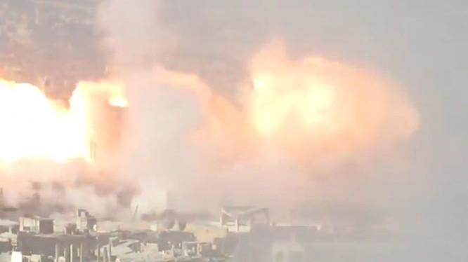 """Quân lực Syria chế tạo """"rồng lửa"""" UR - 77 của Syria tấn công lực lượng Hồi giáo cực đoan. Ảnh minh họa NasdarNews"""