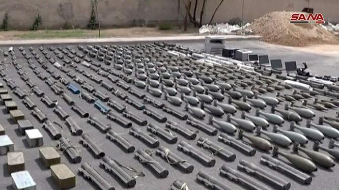 Quân cảnh Syria thu giữ nhiều vũ khí trang bị từ Israel. Ảnh minh họa SANA