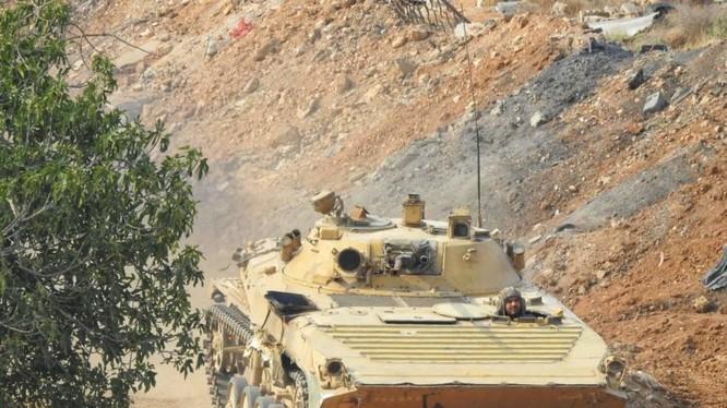 Các đơn vị cơ giới sư đoàn 4 tiếp tục tấn công vào quận Yarmouk. ảnh South Front