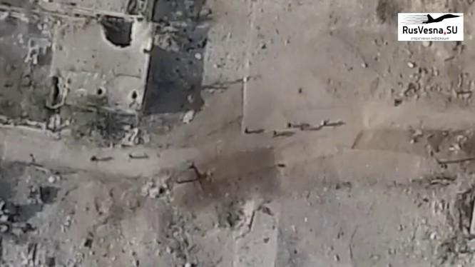 Cảnh video trước khi tên lửa Golan-300 phát nổ, huy diệt các tay súng IS ở Yarmouk