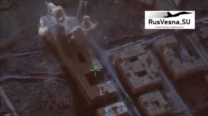 Không quân Nga không kích HTS ở tỉnh Homs. Ảnh video