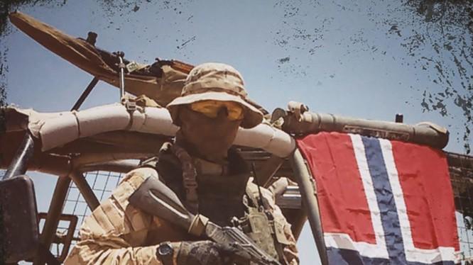 Tình nguyện viên người Na Uy trong nhóm Scandinavi trên chiến trường Syria. Ảnh trang báo Frihet Skandinavisk
