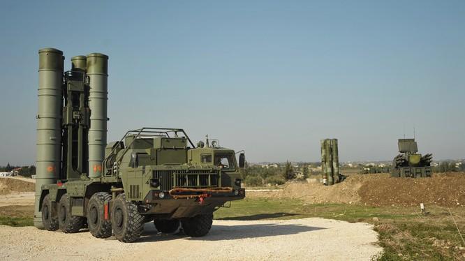 Hệ thoóng phòng không Nga trong căn cứ sân bay Khmeymim. ảnh minh họa RT