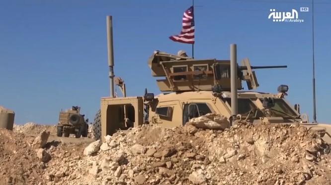 Quân đội Mỹ tiếp tục duy trì sự hiện diên ở Syria bất chấp phản đối - anh minh họa từ video South Front