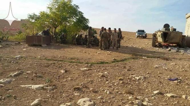 Quân đội Syria trên chiến trường miền bắc Hama. Ảnh minh họa Masdar News