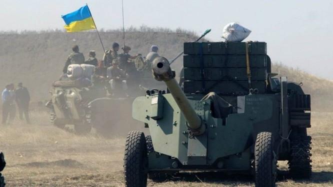 Quân đội Ukraina cơ động chiến đấu. Ảnh minh họa Voice Sevastopol