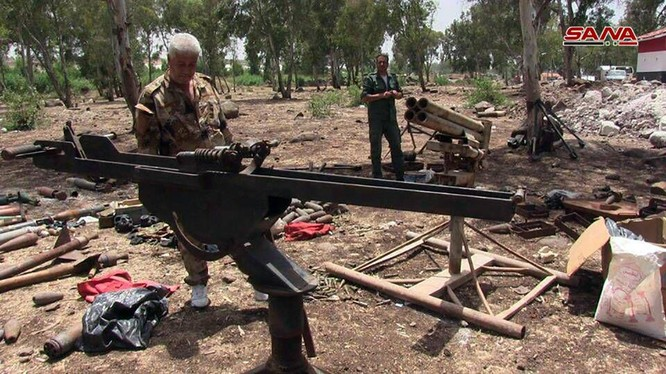 Kho vũ khí của lực lượng Hồi giáo cực đoan phát hiện được ở phía bắc tỉnh Homs. Ảnh SANA
