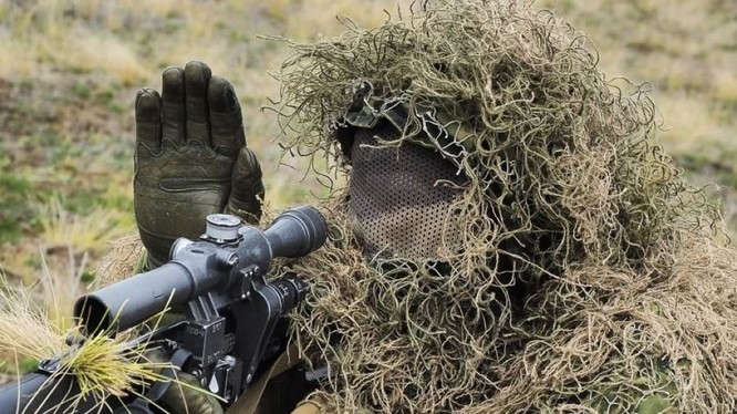 Binh sĩ bắn tỉa lực lượng đặc nhiệm Nga ở Syria. Ảnh minh họa TVZvezda