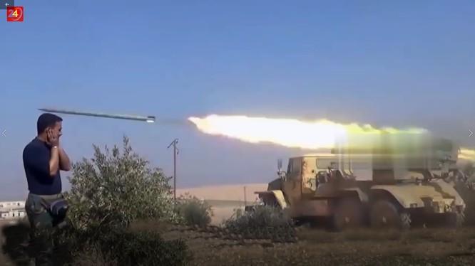 Lực lượng pháo binh - tên lửa quân đội Syria tiến công ở Daraa. Ảnh minh họa South Front