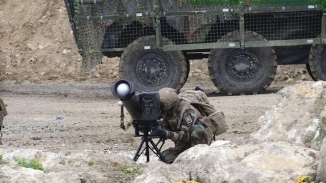 Quân đội Pháp thử nghiệm hệ thống tên lửa chống tăng MMP. Ảnh minh họa warspot.