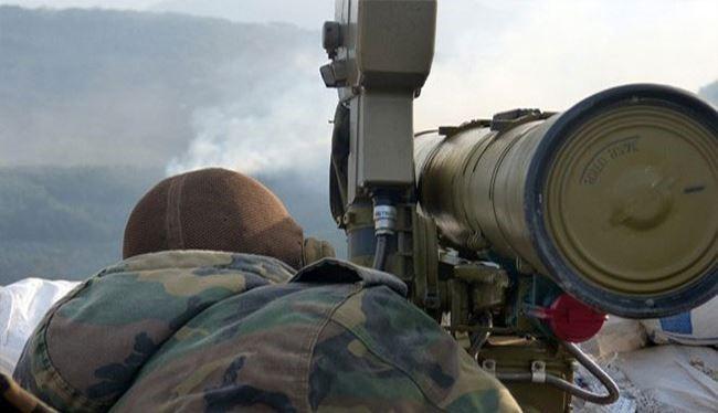 Binh sĩ quân đội Syria tấn công phiến quân bằng tên lửa chống tăng Korrnet
