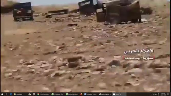 Các đơn vị vũ trang Sweida tiêu diệt các phương tiện cơ giới của IS trên chiến trường sa mạc. Ảnh minh họa Video