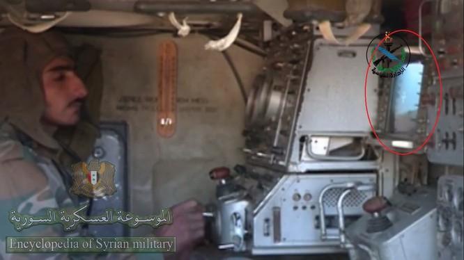Hệ thống quang ảnh nhiệt trong xe điều khiển hỏa lực SA-6. Hệ thống kính quang học quang ảnh nhiệt dành cho radar 1S91 tên lửa Kvadrat SA-6. Ảnh @Syr_Mil_Wik