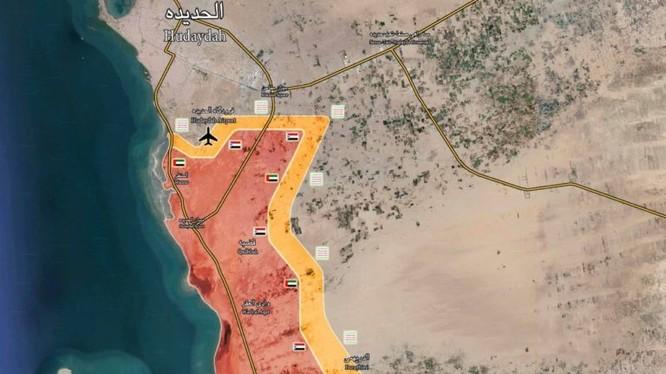 Chiến tuyến liên minh quân sự do Ả rập Xê út dẫn đầu ở thành phố cảng và sân bay sân bay al-Hudaydah. Ảnh South Front