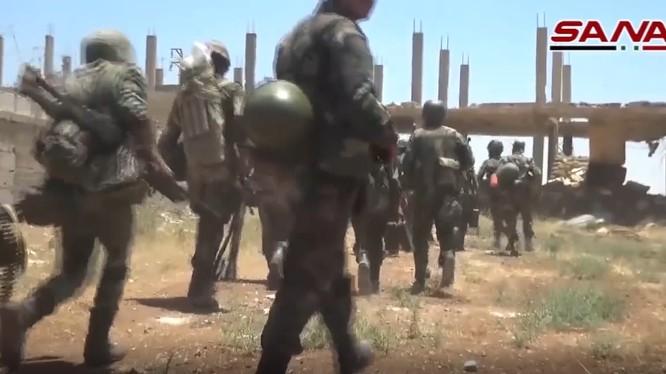 Các đơn vị quân đội Syria tiến công trên chiến trường Daraa, ảnh minh họa video