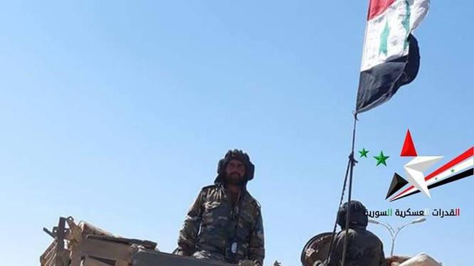 Xe tăng quân đội Syria tiến vào ngã tư biên giới với Jordan. Ảnh South Front