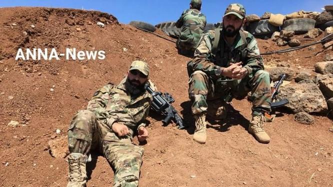 Binh sĩ quân đội Syria trong chiến đấu trên vùng ngoại ô thành phố Daraa. Ảnh Masdar News