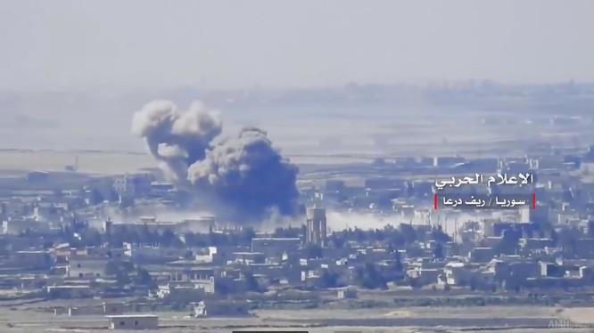 Quân đội Syria giải phóng liên tiếp 3 thị trấn trong khu vực giáp ranh Daraa - Quneitra. Ảnh video