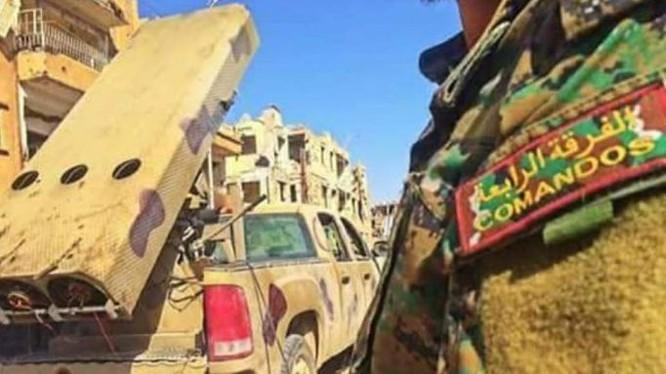 Pháo phản lực hạng nặng Golan-300 thuộc sư đoàn cơ giới số 4 chuẩn bị chiến đấu. Ảnh minh họa Masdar News
