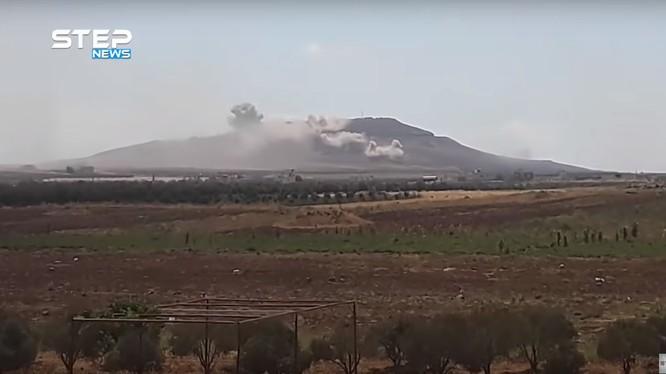 Quân đội Syria bắn phá chiến tuyến của IS ở Daraa. Ảnh vieo