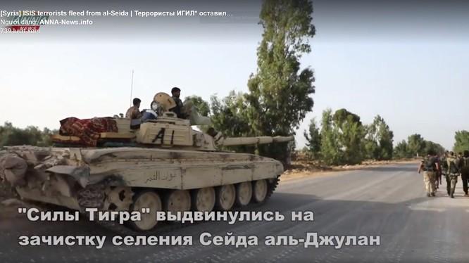 Lực lượng Tiger tấn công IS trên chiến trường Daraa. Ảnh video ANNA News