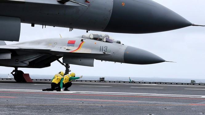 Ảnh minh họa không quân Hải quân Trung Quốc chuẩn bị cất cánh. Ảnh minh họa NI