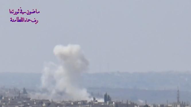 Lực lượng pháo binh - tên lửa Syria đánh phá ác liệt căn cứ địa của các nhóm nổi dậy ở Hama, Idlib