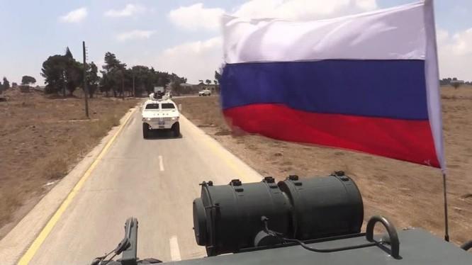 Quan cảnh Nga bảo vệ lực lượng gìn giữ hòa bình Liên Hiệp Quốc trên cao nguyên Golan. Ảnh video