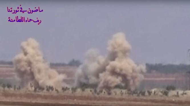 Lực lượng pháo binh tên lửa Syria pháo kích dữ dội chiến tuyến của lực lượng nổ dậy. Ảnh minh họa
