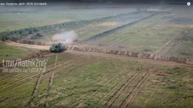 Xe tăng Donesk huấn luyện chiến đấu. Ảnh minh họa video dân quân Donesk