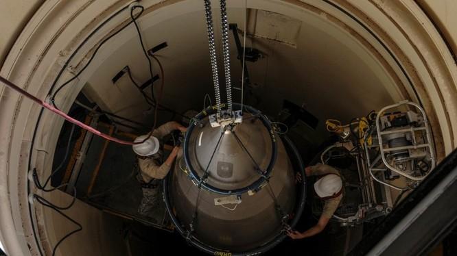Tên lửa đạn đạo Minuteman III trong giếng phóng. Ảnh minh họa Defence.Blog