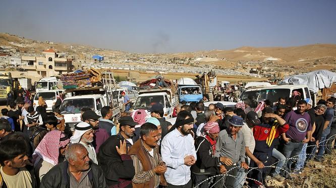 Những người di tản Syria bắt đầu trở về Đông Ghouta, ngoại ô Damascus