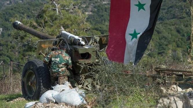 Pháo binh quân đội Syria pháo kích trên chiến trường miền bắc Hama. Ảnh minh họa Muraselon